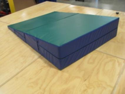 high quality 60 x 84 x18 folding triangle incline gymnastics mat. Black Bedroom Furniture Sets. Home Design Ideas