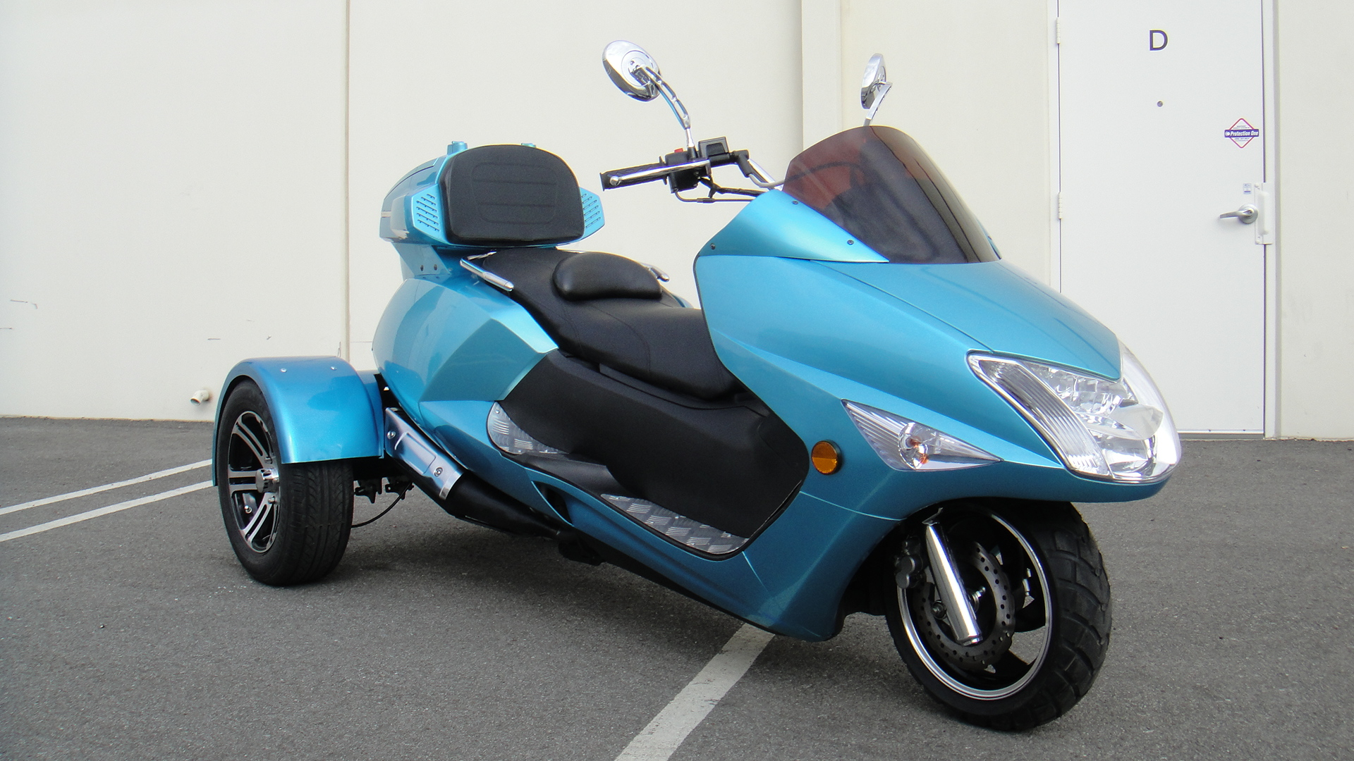 cc T9 Scooter. T9 (PMZT9) SELECT; Copyright All Right Reserved.